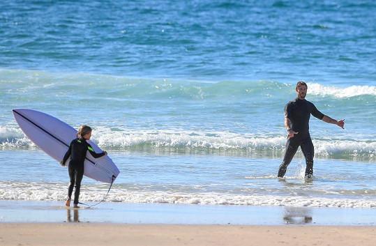 Oblíbený sport všech Australanů musí přece umět i jeho děti.
