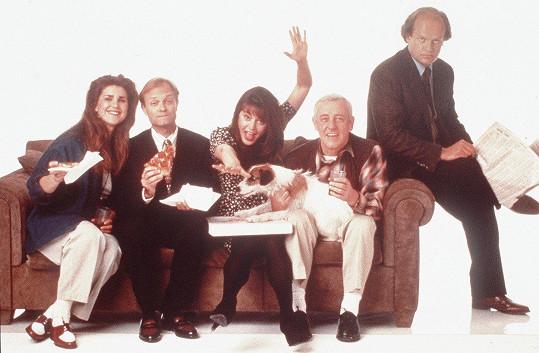 Jane Leeves byla za roli Daphne nominovaná na Zlatý glóbus i Emmy. Na snímku (zleva) Peri Gilpin, David Hyde Pierce, Jane Leeves, John Mahoney a Kelsey Grammer