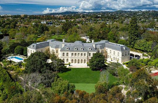 Petra Ecclestone prodává své luxusní sídlo. I cena je exkluzivní.