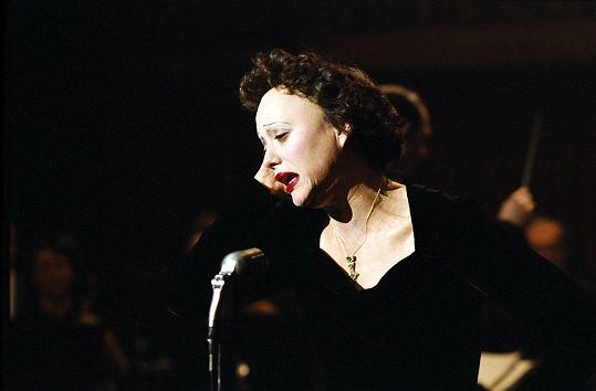 Za roli ve filmu Edith Piaf (2007) získala Oscara i Českého lva.