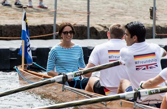 Kate a její veslařský tým