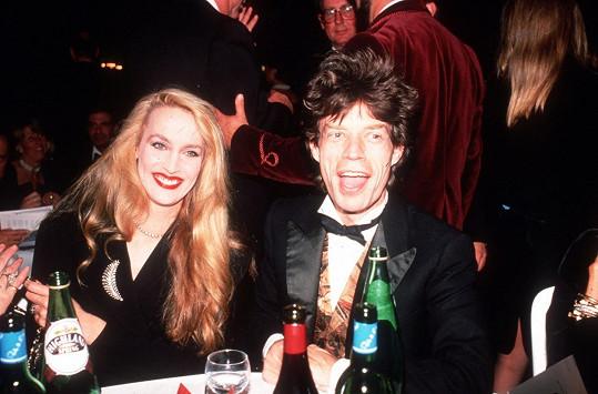Jerry Hall v době, kdy byl její partner Mick Jagger.