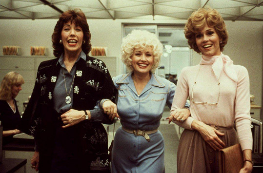 Lily Tomlin, Dolly Parton a Jane Fonda (zleva) ve filmu Od 9 do 5 (1980)