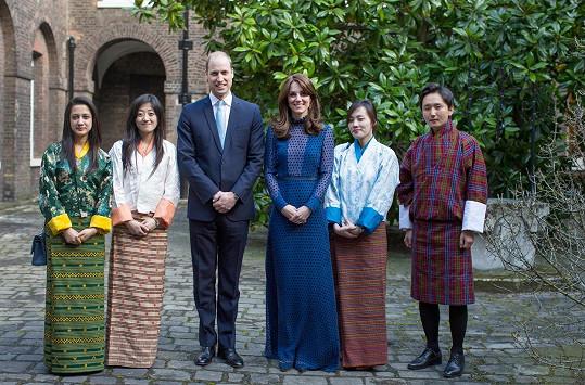 Královský pár o víkendu odletí na návštěvu Indie a Bhútánu.