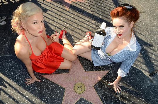 Ana a Phoebe zneuctily památku slavné herečky.