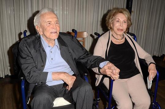 Kirk zemřel před více než rokem ve věku 103 let.