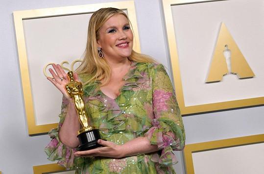 Emerald Fennell získala v 35 letech svého prvního Oscara.