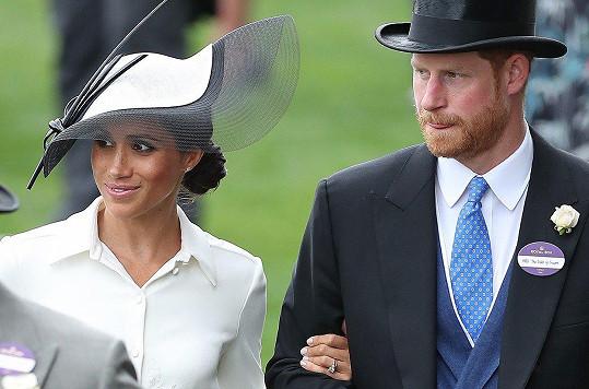 Vévodkyně Meghan na posledních snímcích rozhodně nevypadá těhotně.