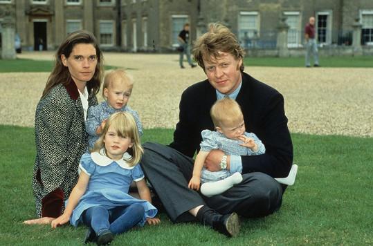 Na rodinném snímku s otcem Charlesem Spencerem a maminkou Victorií Lockwood