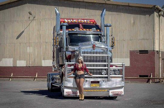 Kamióny jsou její láskou.