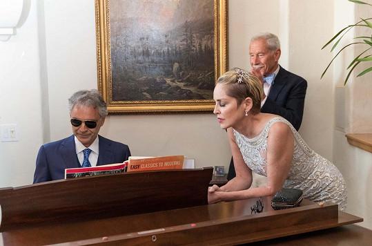 Hosté akce se dočkali i soukromého vystoupení takového pěvce, jakým je Andrea Bocelli.