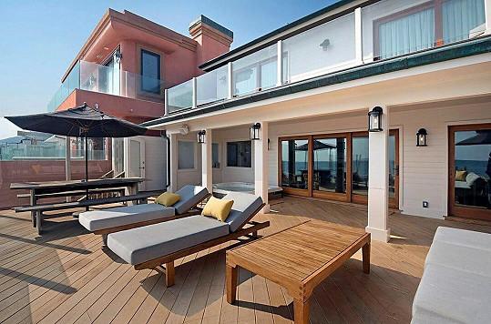 Dům v Malibu nabízí za 214 milionů.