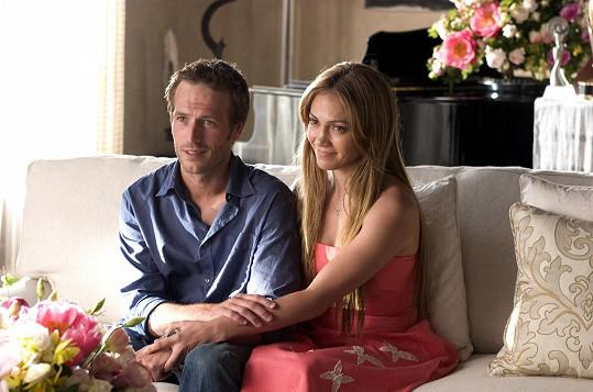 Vartana si můžete pamatovat také z komedie Příšerná tchyně s Jennifer Lopez.