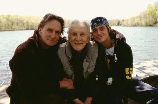 Ve filmu Tak to chodí (2003) si Kirk zahrál se synem Michaelem a vnukem Cameronem.