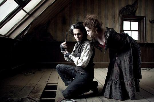Helena Bonham Carter byla těhotná během tvorby Burtonova filmu Sweeney Todd: Ďábelský holič z Fleet Street. Její scény vznikly proto jako první.
