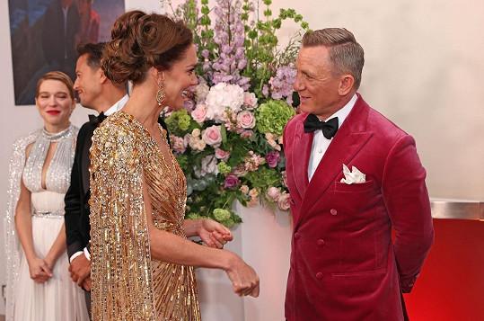 Kate půvabem odzbrojila i představitele Bonda Daniela Craiga.