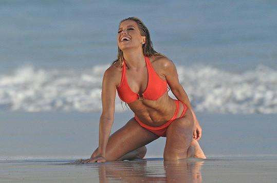 Sylvie Meis se objektivu nastavuje na plážích kolem Kapského Města.