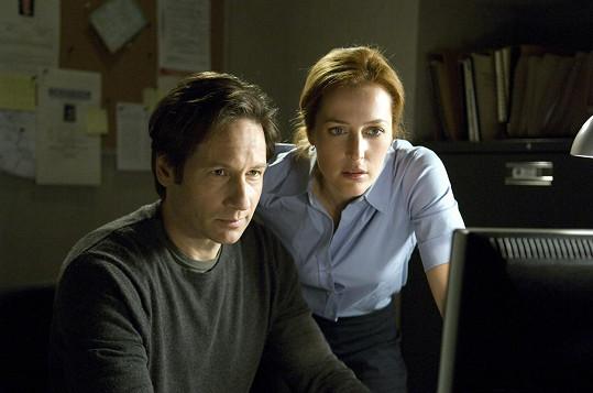 Jako agenti Mulder a Scullyová