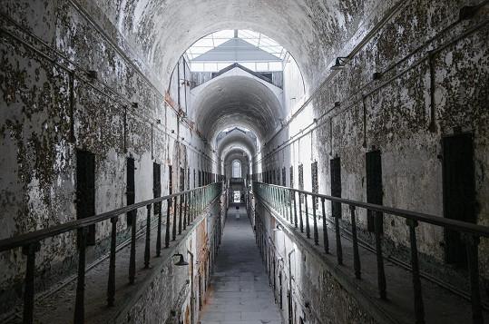 Věznice Eastern State Penitentiary je pěkně děsivým místem.