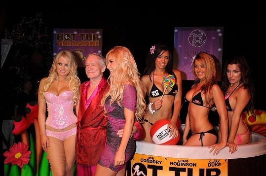 Hugh Hefner byl vždy v obležení sexy krásek.
