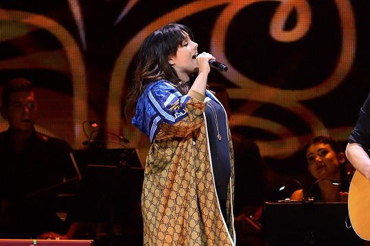 A tady zpívala v Lodži.