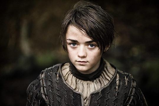 Maisie jako Arya Stark ve Hře o trůny.