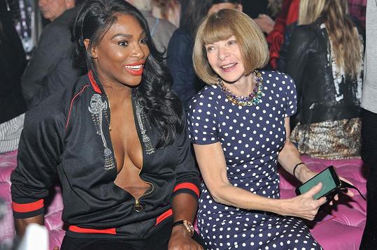 Pak vyrazila na přehlídku s šéfredaktorkou Vogue Annou Wintour.