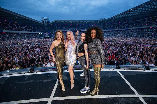 Dívčí kapela Spice Girls se letos vrátila na pódia. Mel C druhá zprava