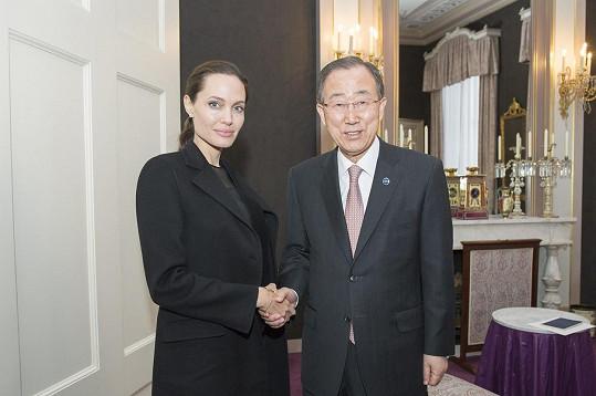 Minulý týden se setkala s jihokorejským diplomatem a generálním tajemníkem OSN Pan Ki-munem.