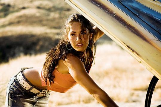 Megan Fox ve filmu Transformers, díky roli se z ní stal sex symbol.