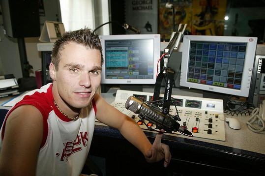 Leoš Mareš jako moderátor Ranní show na Evropě 2 (2004), kde působí dodnes.