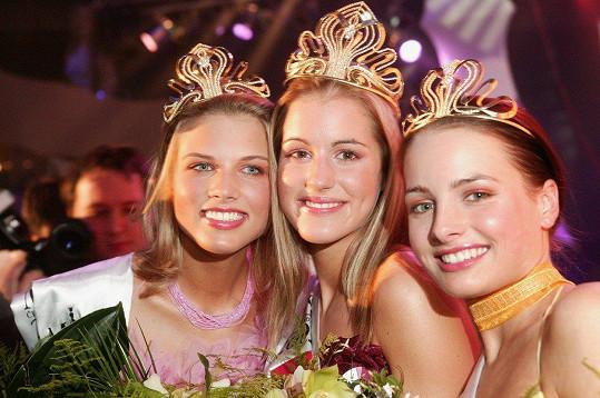 Miss ČR pro rok 2003 (zleva) Klára Medková, Lucie Křížková (tehdy Váchová) a Markéta Divišová
