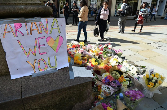 Teroristický útok zabil 22 lidí.