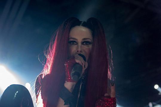 Lene Nystrøm proslula svou rudou hřívou.