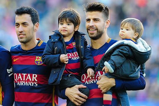 Piqué je hrdý tatínek.