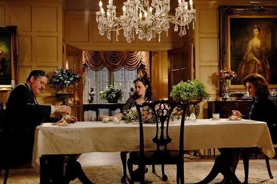 Emily a Richarda Gilmorovy, u kterých se Rory a Lorelai scházely na páteční večeře, si zahráli Kelly Bishop a Edward Herrmann.