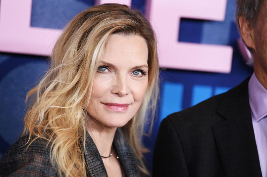Michelle Pfeiffer vypadá i po šedesátce skvěle.