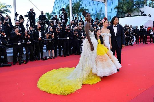 S kolegy z filmu After Yang, s devítiletou herečkou sladily modely.