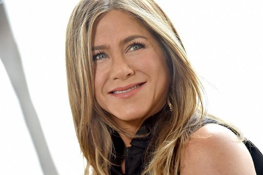 Jennifer Aniston na muže prý nemá čas...