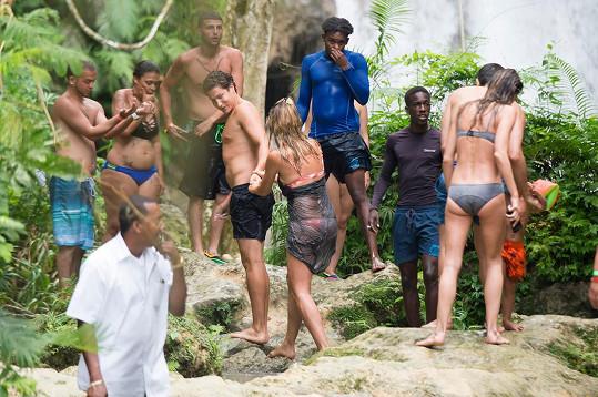 V sobotu dvojice vyrazila na vodopády. Soukromí ale chybělo...