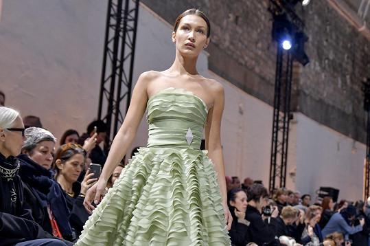 Na nedávné přehlídce značky Alexandre Vauthier v rámci pařížského týdne módy.
