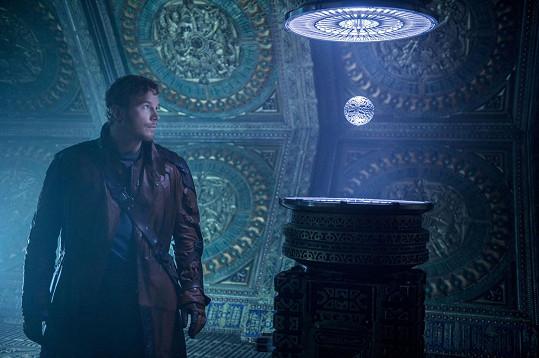 Chris Pratt ve Strážcích Galaxie omylem upustil kouli s Kameny nekonečna, scénu ve filmu nakonec nechali.