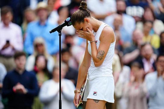 Karolína Plíšková po finále Wimbledonu plakala.