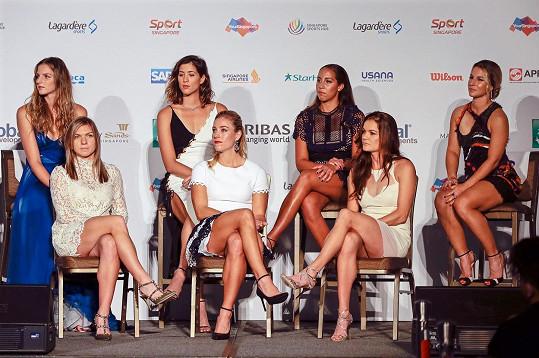 Karolína Plíšková společně s dalšími tenistkami na slavnostním zahájení Turnaje mistryň.