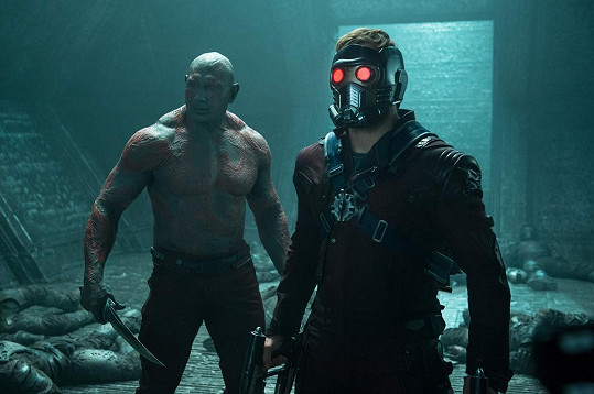 Fanoušci ho znají mj. jako Draxe Ničitele z filmu Strážci galaxie. Na snímku s Chrisem Prattem (Star-Lord).