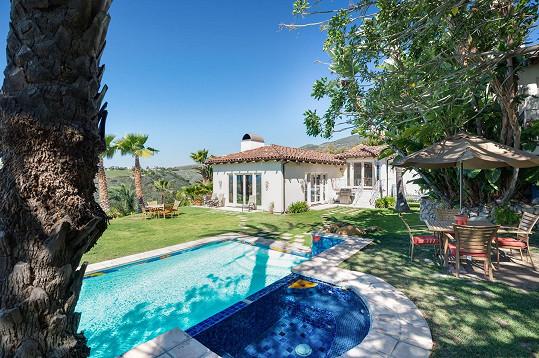 Malebný dům ve španělském stylu byste našli v Malibu.