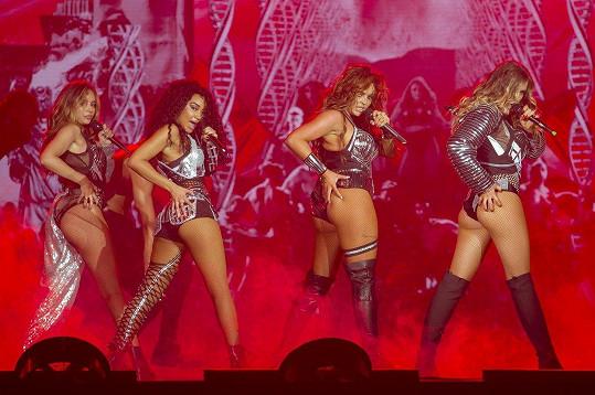 Little Mix umí publikum pořádně nažhavit.
