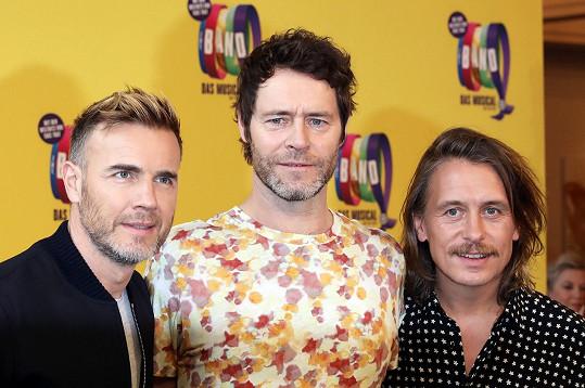 V roce 2014 Robbie upřednostnil rozrůstající se rodinu a nechal si v Take That otevřené dveře. Nadobro odešel Jason Orange.