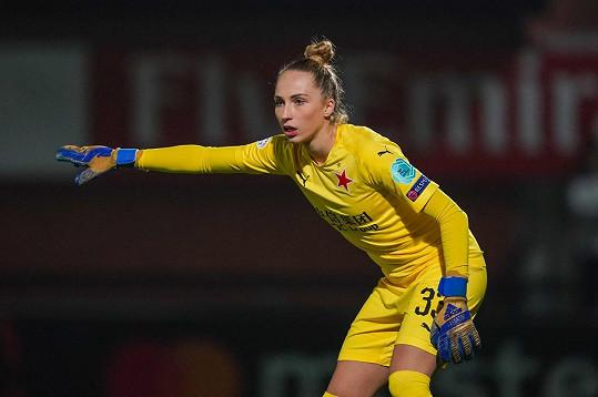 Nebo fotbalová brankářka Barbora Votíková (na snímku) s partnerkou