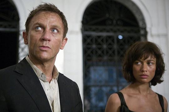 Kurylenko s Danielem Craigem v bondovce Quantum of Solace (2008)